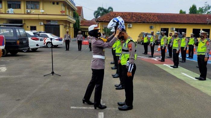 Jangan Coba-coba Lari saat Ketemu Polisi Patroli, Bukti Pelanggaran Kini Direkam di Helm Polisi