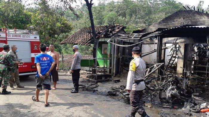 Bengkel Motor Dilalap Si Jago Merah di Karanggayam Kebumen, Awalnya dari Tumpahan BBM