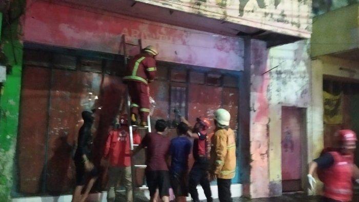 Sembilan Orang Terjebak di Dalam Ruko yang Terbakar di Pekalongan, Satu Tidak Bisa Diselamatkan