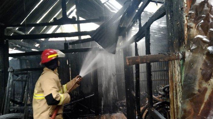 Kebakaran Gudang di Kebumen, Terjadi Selasa Subuh, Tiga Motor dan Tujuh Sepeda Hangus