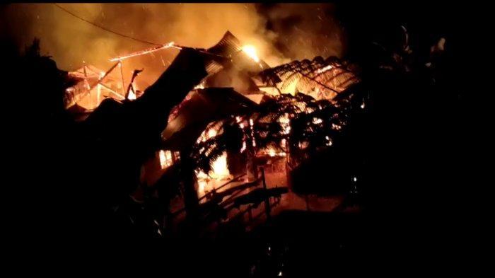 Diduga Konsleting listrik Satu Rumah di Pekalongan Terbakar
