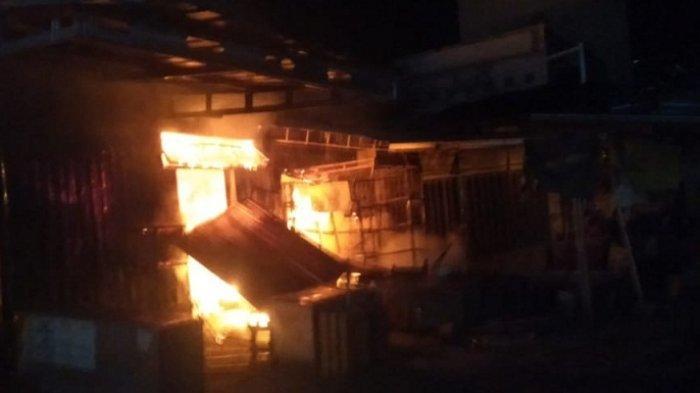 Pasar KUD Sukolilo Pati Terbakar, 40 Kios dan 1 Rumah Warga Ikut Ludes