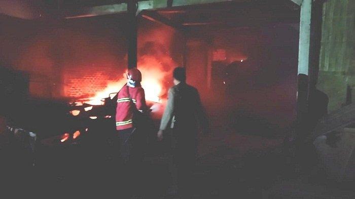 Tempat Penggilingan Padi di Kaligondang Purbalingga Ludes Terbakar, Api Diduga dari Cerobong Mesin