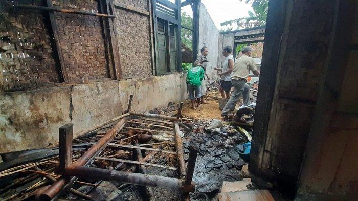 Kebakaran Melanda Rumah Warga Gumelar Banyumas, 8 Karung Gabah Ikut Ludes