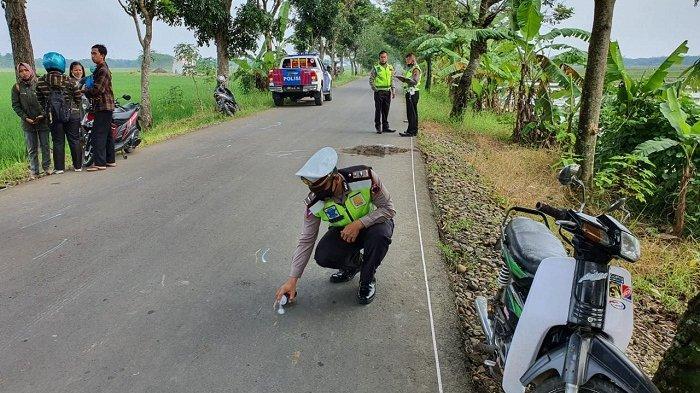 Setelah Serempat Sepeda Ontel, Pemotor di Kesesi Pekalongan Terjatuh dan Tewas Tertabrak Motor Lain