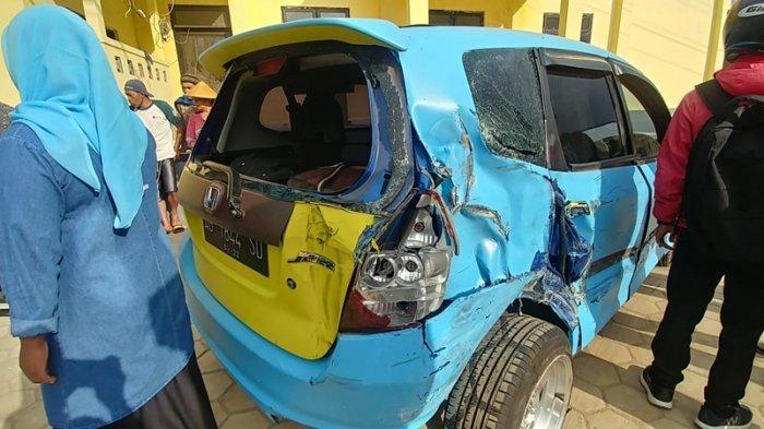 Kondisi mobil ringsek seusai terlibat kecelakaan maut di jalan ruas Garung-Dieng, Kabupaten Wonosobo, Rabu (30/9/2020) sore.