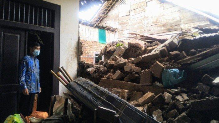 Tembok di SDN 03 Temanggung Ambrol, Sekolah Kesulitan Merenovasi Gara-gara Status Cagar Budaya