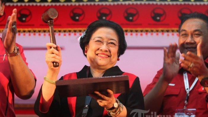 Bendera PDIP Dibakar, Megawati Instruksikan Kader Rapatkan Barisan