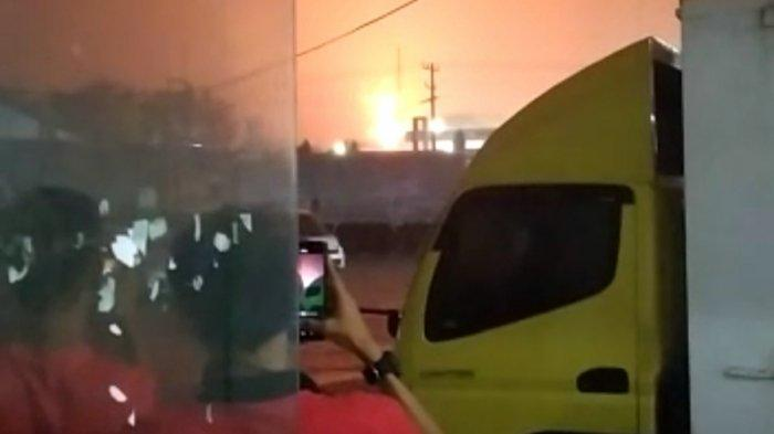 Breaking News - Kilang Minyak Pertamina Cilacap Terbakar