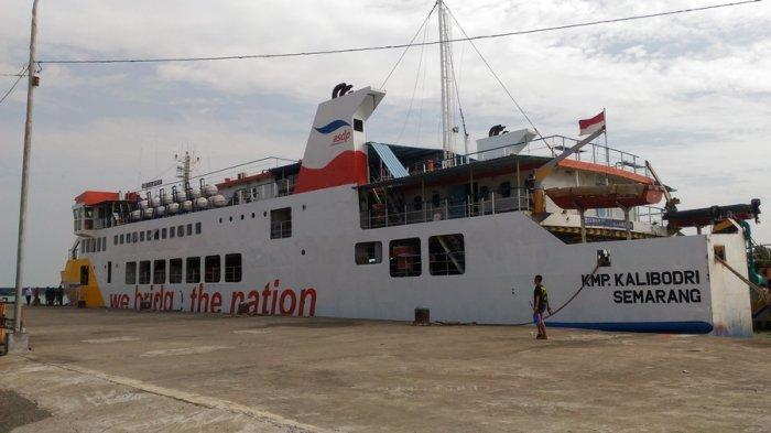 KMP Kalibodri Kembali Berlayar, Dari Kendal Angkut 14 Penumpang Menuju Kumai