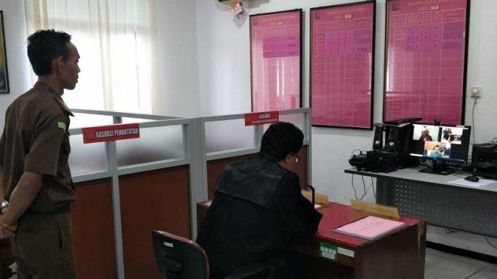 Jaksa Kejari Purbalingga Bacakan Tuntutan Melalui Vicon, Kasus Korupsi Dana Desa Buara