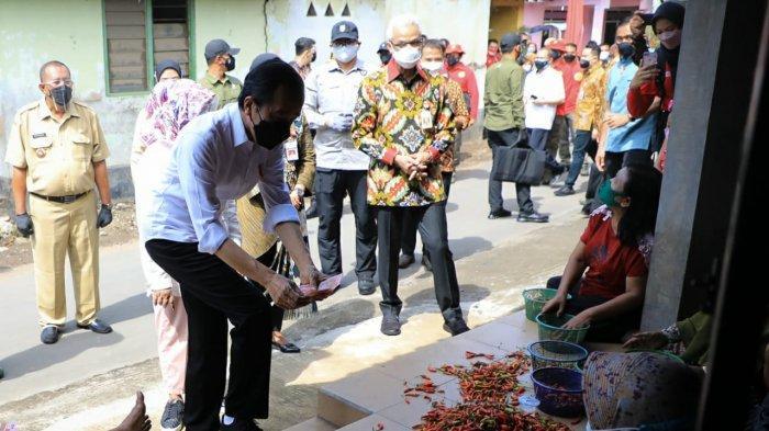 Anik Sempat Bermimpi Banyak Orang Datangi Kampung Ini, Ternyata Pak Jokowi dan Pak Ganjar