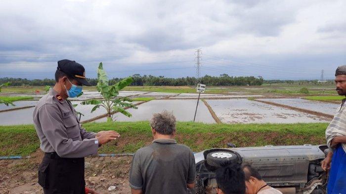 Kecelakaan Tunggal di Purbalingga, Mobil Masuk ke Saluran Irigasi, Hilang Kendali Karena Mengantuk