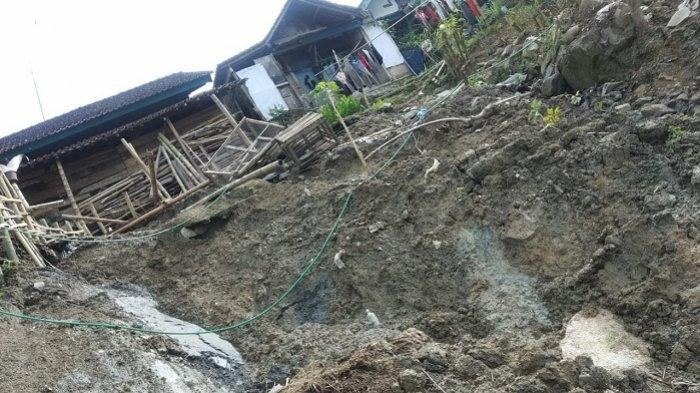 Gerakan Tanah di Gumingsir Banjarnegara Rusak Rumah dan TK, Jalan Hanya Bisa Dilalui Motor