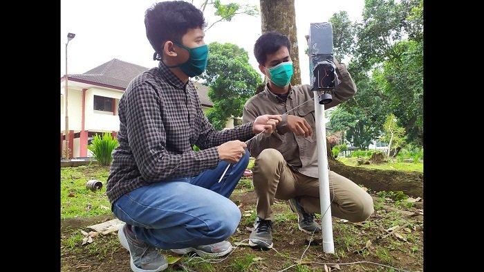 Berbekal Baterai dan Sling Baja, Mahasiswa Unsoed Purwokerto Ciptakan Alat Deteksi Dini Longsor