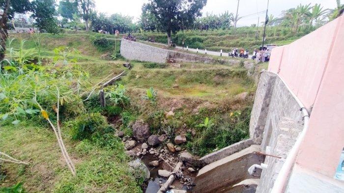 Cerita Warga Karangpandan Karanganyar, Temukan Mayat Bayi di Bawah Jembatan, Diduga Sudah Tiga Hari