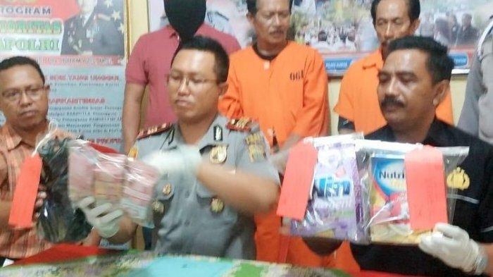 Mengaku Bisa Gandakan Uang Dengan Bantuan 40 Jin, Dua Dukun Diringkus Polisi