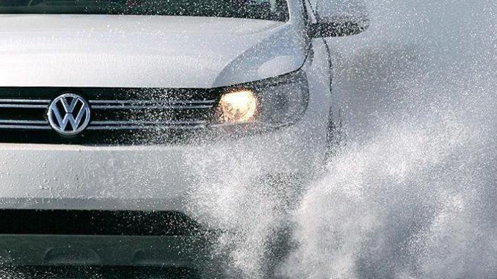 Ini Tips Mobil Anti Selip Saat Kondisi Hujan Maupun Jalanan Becek