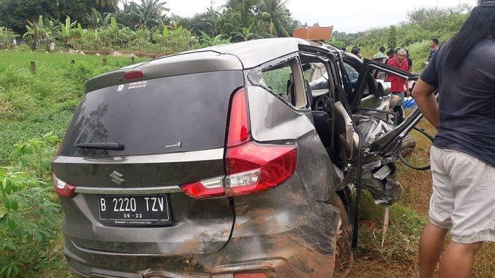 Mobil Suzuki Ertiga Keluar Jalur Tol Pekalongan-Batang KM 331+400, 2 Bulan Sudah 3 Kali Kecelakaan