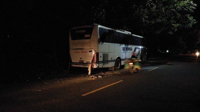 Motor NMAX Ringsek Tabrak Bus Karyawan di Jalan S Parman Kota Semarang, Bus Mogok Sejak 2 Hari