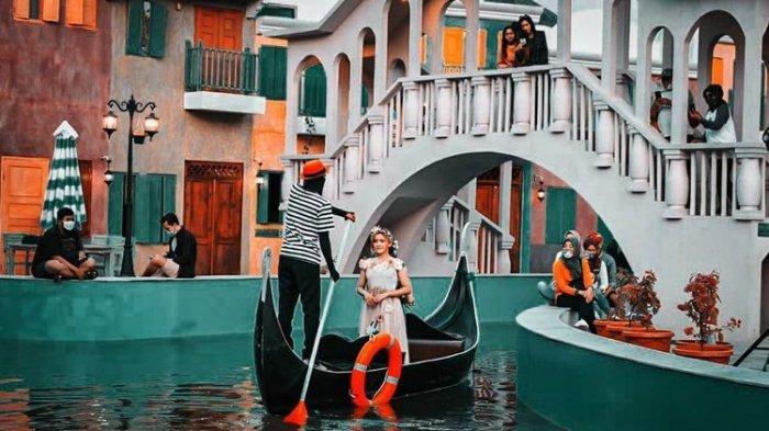 Tak Perlu ke Italia, Sensasi Naik Gondola Venesia Kini Bisa Dirasakan di Dusun Semilir Eco Park