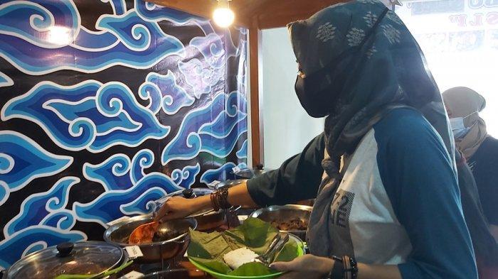 Tak Perlu ke Cirebon, Datang Saja ke Nasi Jamblang Ibu Sami di Kota Tegal, Lauknya Juga Lengkap