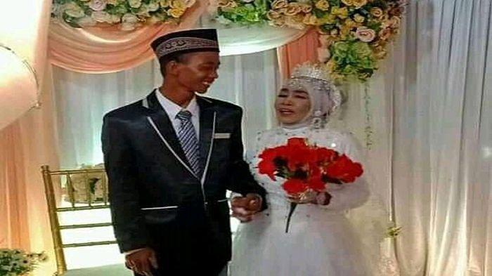 Kisah Cinta Mbah Gambreng, Nenek Berusia 65 Tahun Menikahi Berondong 25 Tahun