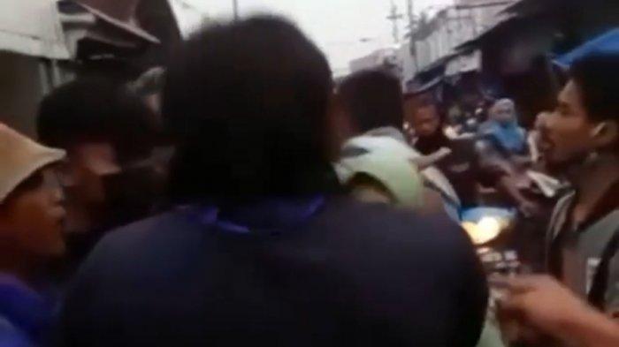 Saya Pegang Daripada Dipukuli, Ini Cerita Pria yang Amankan Nenek Diduga Pencopet di Pasar Mandiraja