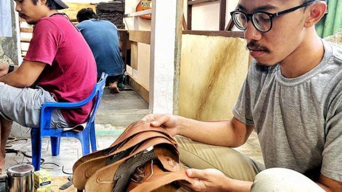 Sepatu dari Ceker Ayam, Produk Indonesia yang Tetap Tumbuh di Tengah Pandemi Covid-19