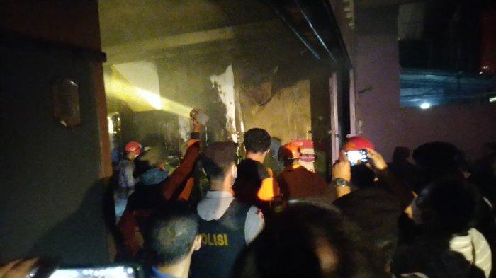 Optik Citra Jalan Pemuda Kudus Terbakar, Diduga Karena Korsleting Listrik di Lantai Dua