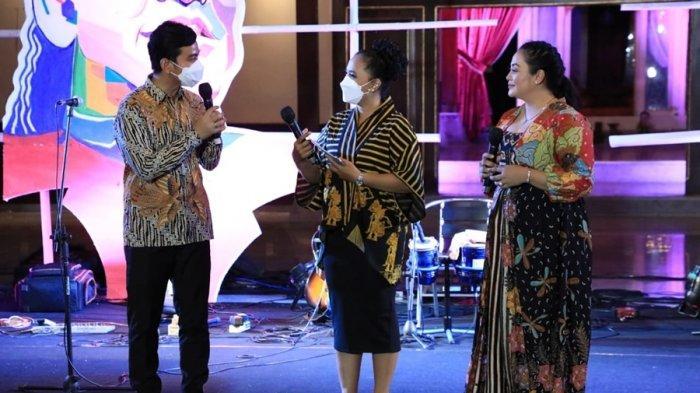 Istri dan Anak Nyanyikan Lagu Almarhum Didi Kempot, Begini Meriahnya Panggung Kahanan di Solo