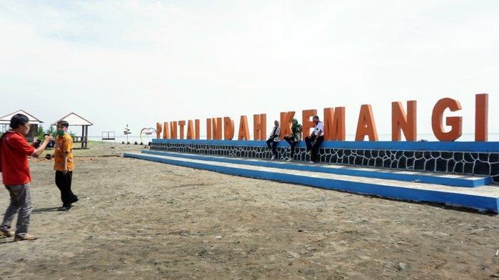 Pengunjung Pantai Indah Kemangi Kendal Ditarik Rp 3.000, Berlaku Mulai Akhir Pekan Ini