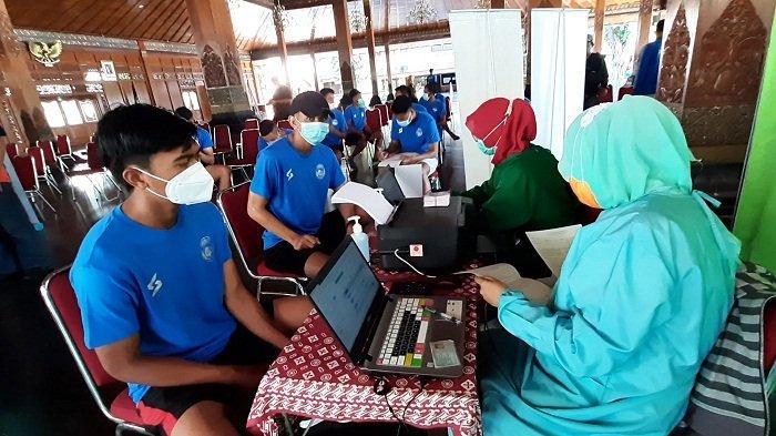 Pemain Klub Peserta Piala Menpora 2021 di Solo Ikut Divaksin Covid-19, Pemkot Siapkan 297 Dosis