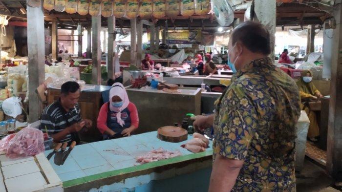 Tak Pakai Masker saat Berdagang, 5 Pedagang di Pasar Palur dan Kebakramat Karanganyar Diminta Tutup
