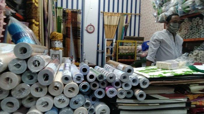 Penjualan Sepi, Pedagang Pasar Kliwon Kudus Tuntut Pembebasan Retribusi dan Sewa Kios selama PPKM