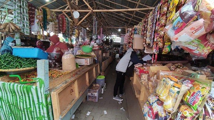 Kios yang Terbakar Belum Diperbaiki, Pedagang Blok B Pasar Wage Purwokerto Bertahan di Lahan Parkir