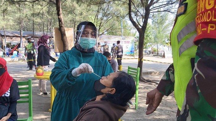 64 Pedagang di Pantai Alam Indah Tegal Jalani Swab, Kapolres: Alhamdulillah Semua Negatif