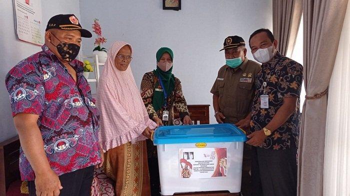 Rayakan Kemerdekaan RI, Pemkab Banjarnegara Beri Bantuan Pangan ke 20 Veteran