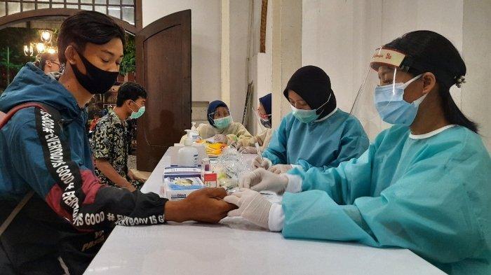 Tak Pakai Masker, 4 Wisatawan di Kota Lama Semarang Reaktif Covid-19