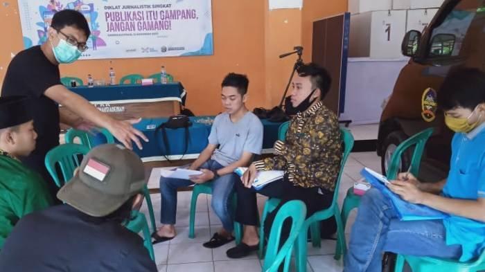 Diskominfo Banyumas Dorong Warga Darmakradenan Promosikan Wisata Desa Lewat Media Sosial