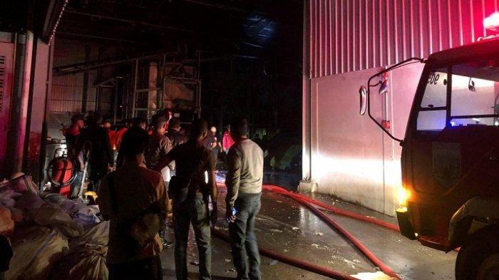Pabrik Plastik di JLS Salatiga Terbakar, Diduga Dipicu Masalah Mesin Boiler