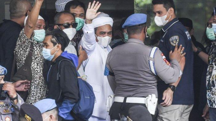 Pakai Rompi Oranye, Imam Besar FPI Rizieq Shihab Ditahan dalam Kasus Kerumunan di Petamburan