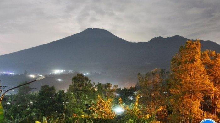Status Gunung Slamet Masih Waspada, PVMBG Rekomendasikan Pendakian Tetap Ditutup Sementara