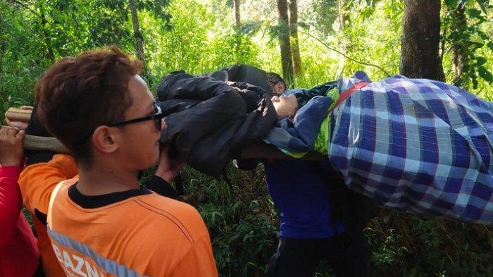Pendaki Gunung Lawu Dievakuasi, Alami Hipotermia dalam Perjalanan Turun ke Pos Cemoro Kandang