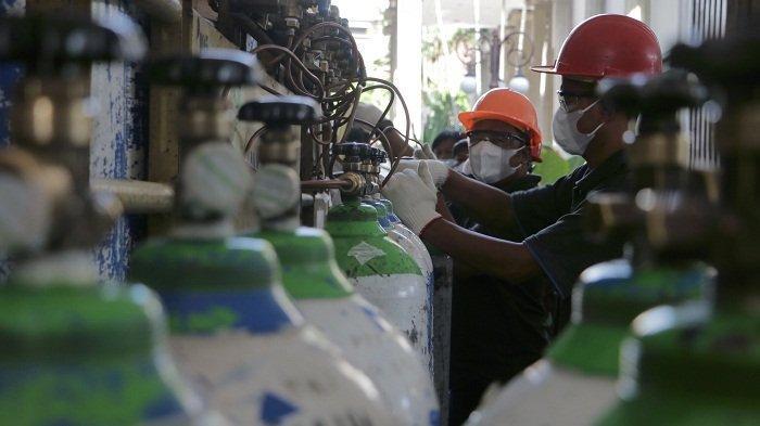 Warga Manfaatkan Pengisian Tabung Oksigen Gratis di Balai Kota Semarang, Tersedia 200 Tabung