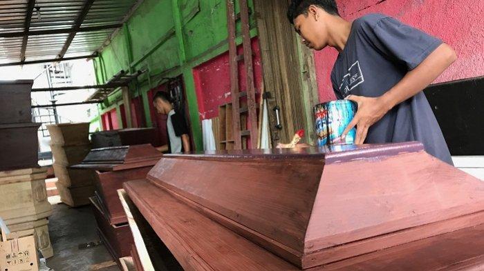 Cerita Pemilik Bisnis Peti Mati di Semarang di Tengah Pandemi: Banyak Pesanan tapi Belum Dibayar