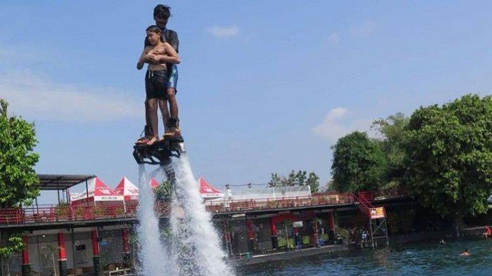 Wow! Wahana Umbul Ponggok Klaten Kini Dilengkapi Flying Board, Terbang di Atas Air Bak Ironman