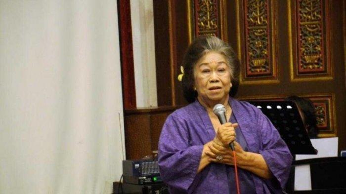 KABAR DUKA, Penyair dan Guru Besar FIB UI Toeti Heraty Tutup Usia