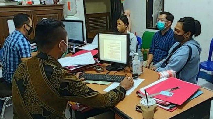 Petugas memeriksa para pelaku kasus perdagangan anak di wilayah hukum Polresta Banyumas, Sabtu (3/10/2020).