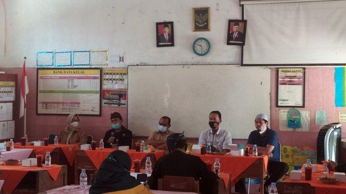 Sekolah Gelar Pertemuan Bersama Wali Murid, DPRD Karanganyar: Tolong Disdikbud Bisa Menegurnya